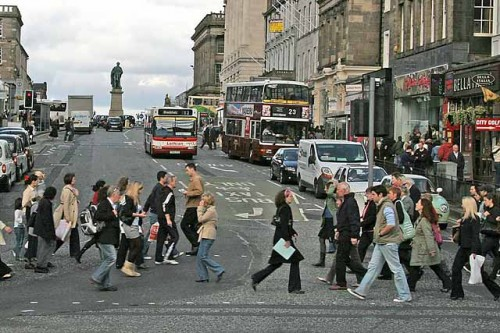 0_edinburgh_transport_pedestrians_-_hanover_street_028840