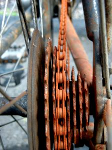 341011_rusty_bicycle_chain